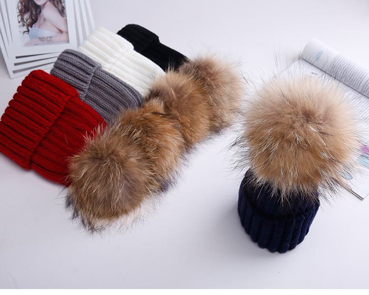 Hot Sale Fur POM Keychain Real Raccoon Fur POM POM pictures & photos