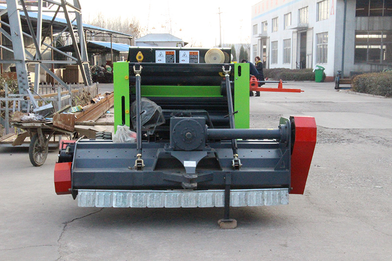 Tractor Mini Round Baler/Straw Baler/Hay Baler/Agricultural Machinery pictures & photos