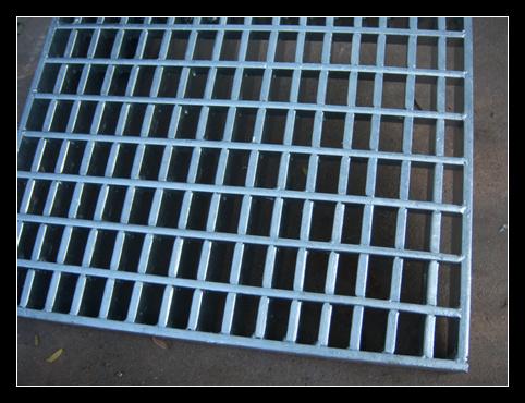 China Saudi Arabia Hot Sale Galvanized Steel Grating Photos