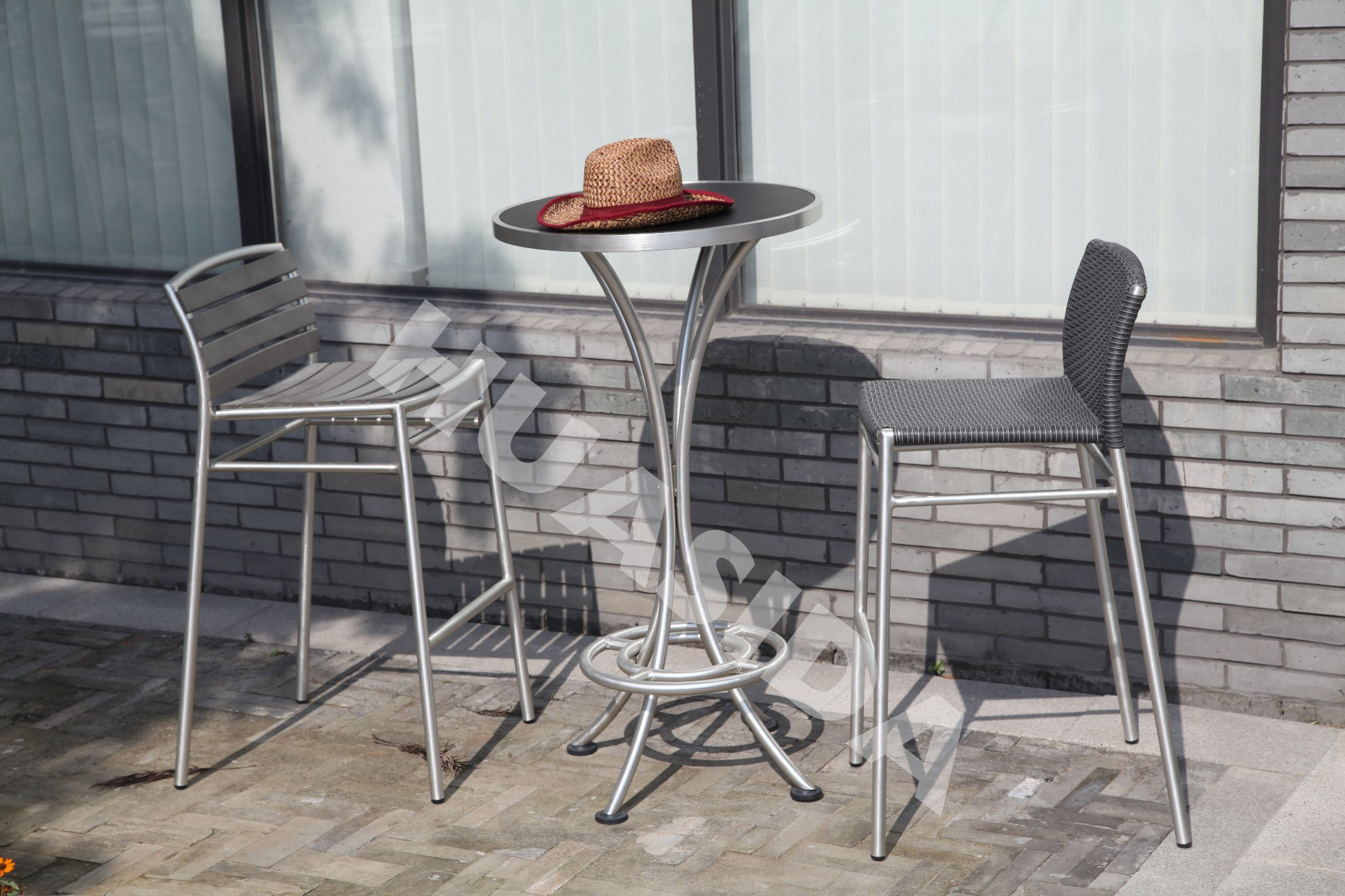 Outdoor Leisure Bar Stool with Round Table