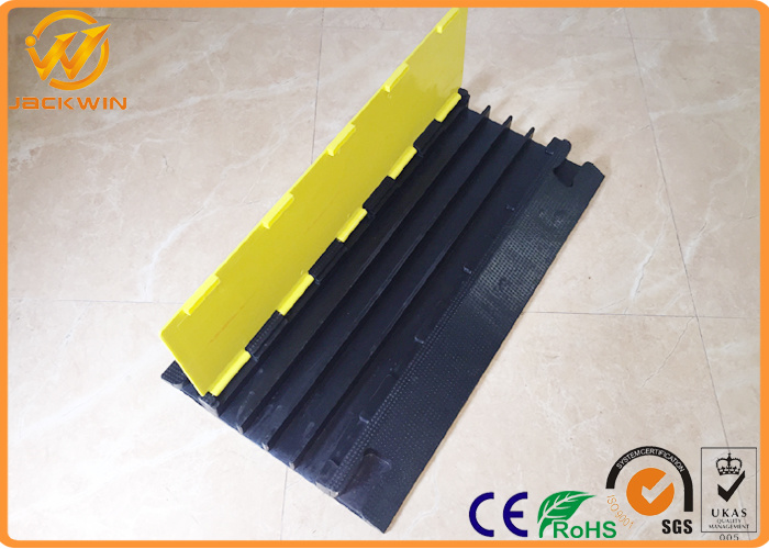 China 4 Channel Heavy Duty Rubber Floor