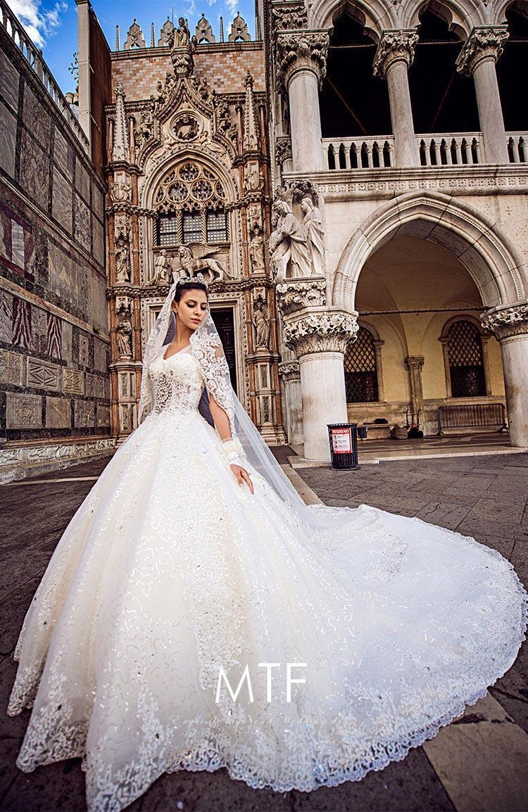 China Sweetheart Luxury Bridal Ball Gowns Crystals Wedding Dresses ...
