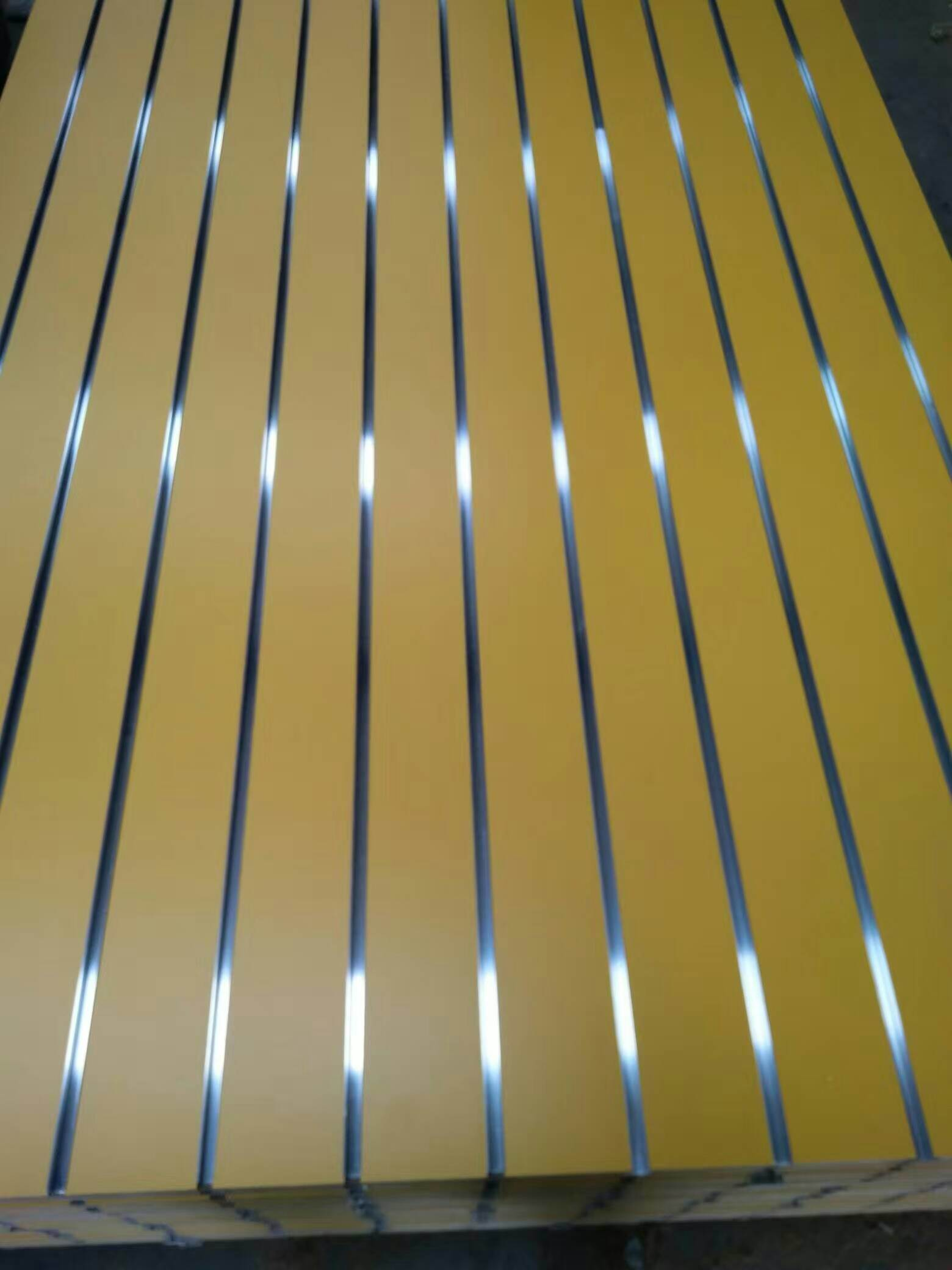 China Factory-18mm T Slotted MDF /Groove MDF/Slotted Wall Panel with ...