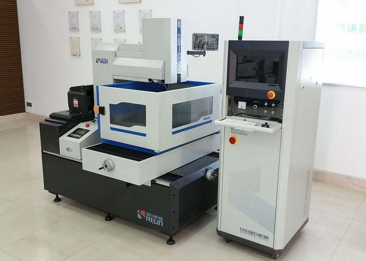Wire Cut EDM Fr-700g pictures & photos