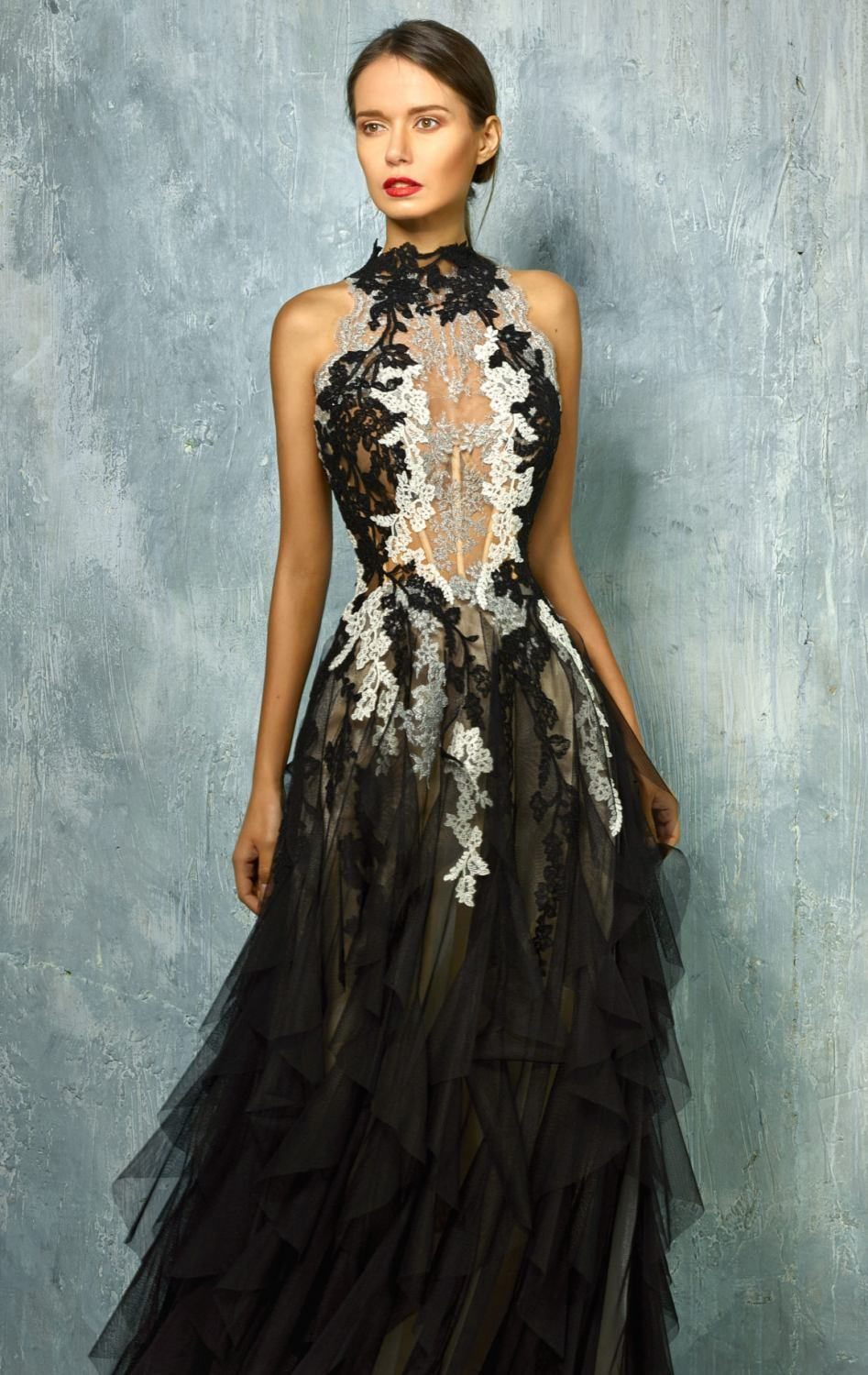 China Sleeveless Black Party Prom Gowns Lace Appliqued Silver Ivory ...