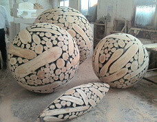 Modern Wood Carving Sculpture In Sphere Design