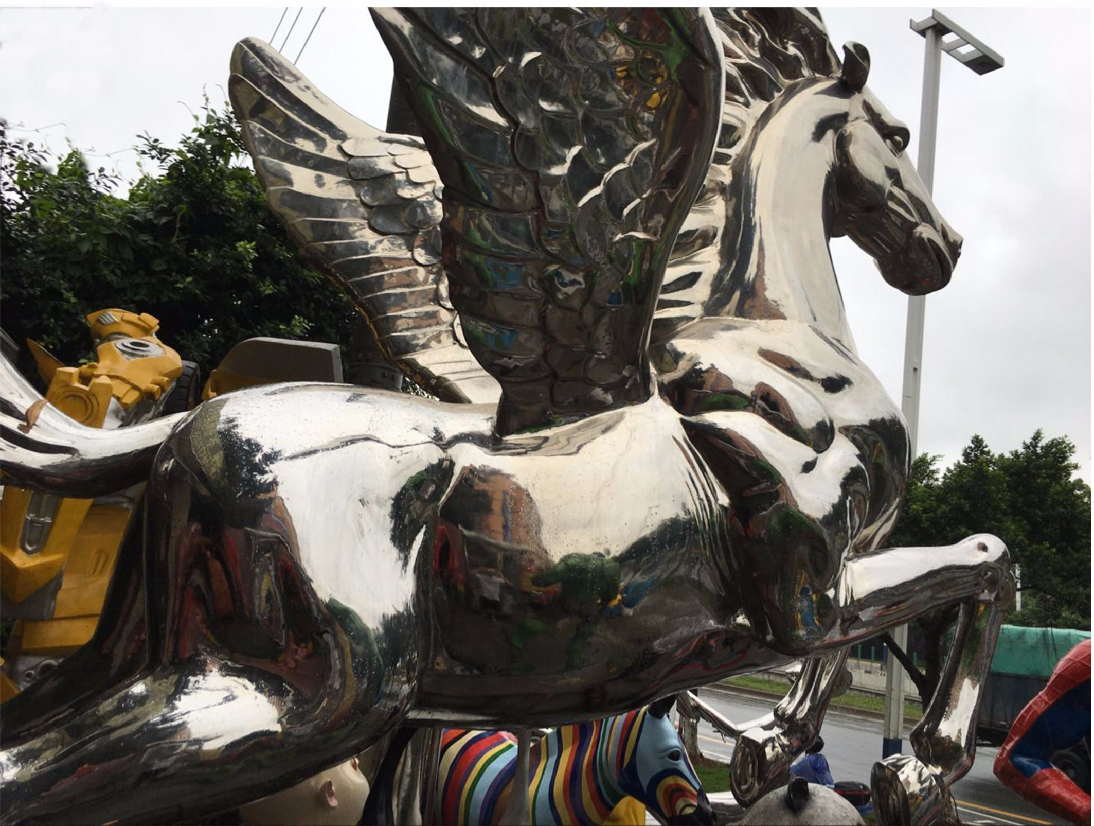 Flying Horse, Large Outdoor Sculpture Making and Interior Decoration Metal Decoration, Handicraft Art, Can Be Customized to Make Sculpture pictures & photos