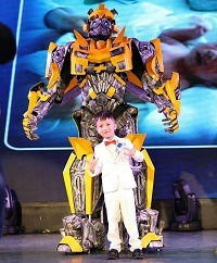 China New Arrival Attractive Transformer Bumblebee Robot Cosplay