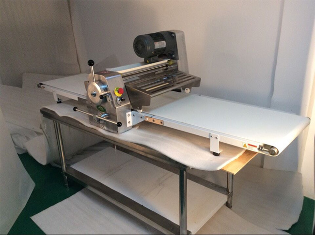 Pizza Restaurant Pizza Dough Sheeter Machine/Table Dough Sheeter pictures & photos