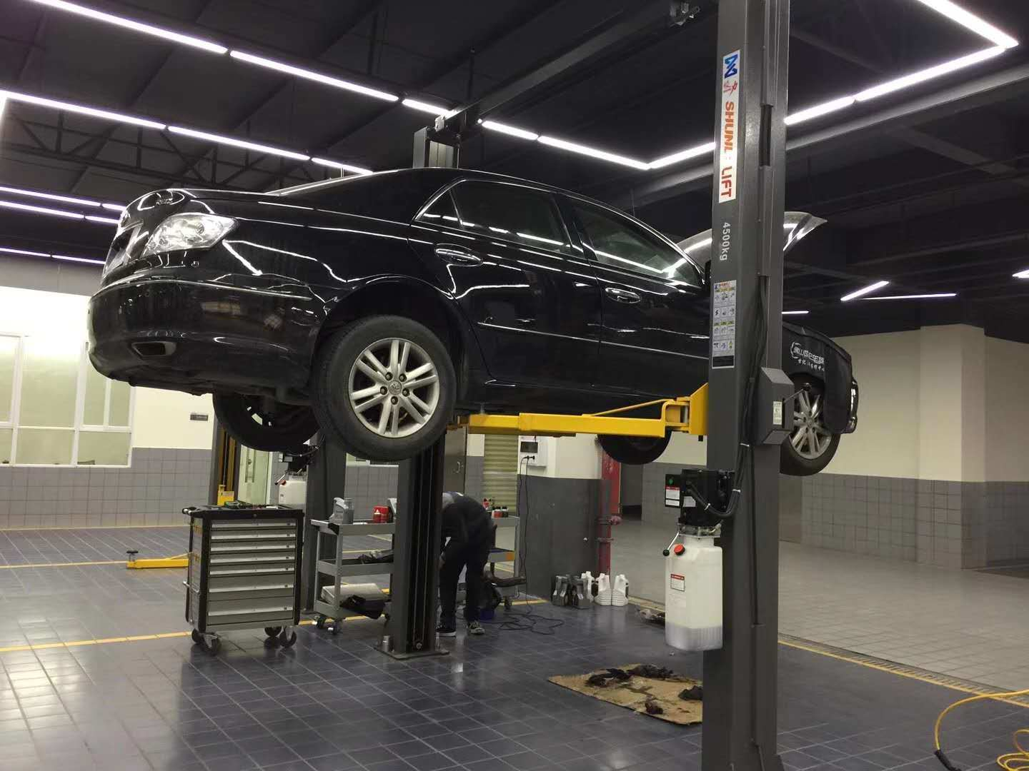 China Manual Release Hydraulic 2 Post Car Lift Photos Pictures