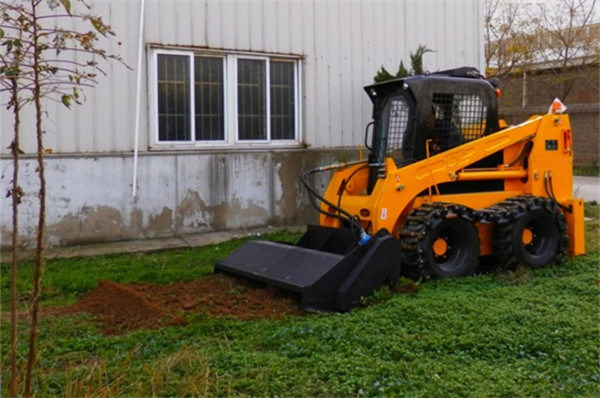 Farming Machine Skid Steer Loader Tracktor with Rotary Tiller pictures & photos