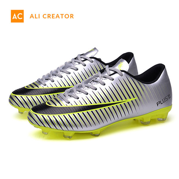 1b03bbebe China 2019 New Original Artifical Turf Soccer Shoes in Leather Surperfly  Football Shoes Soccer Boots - China Soccer Boots, Shoes