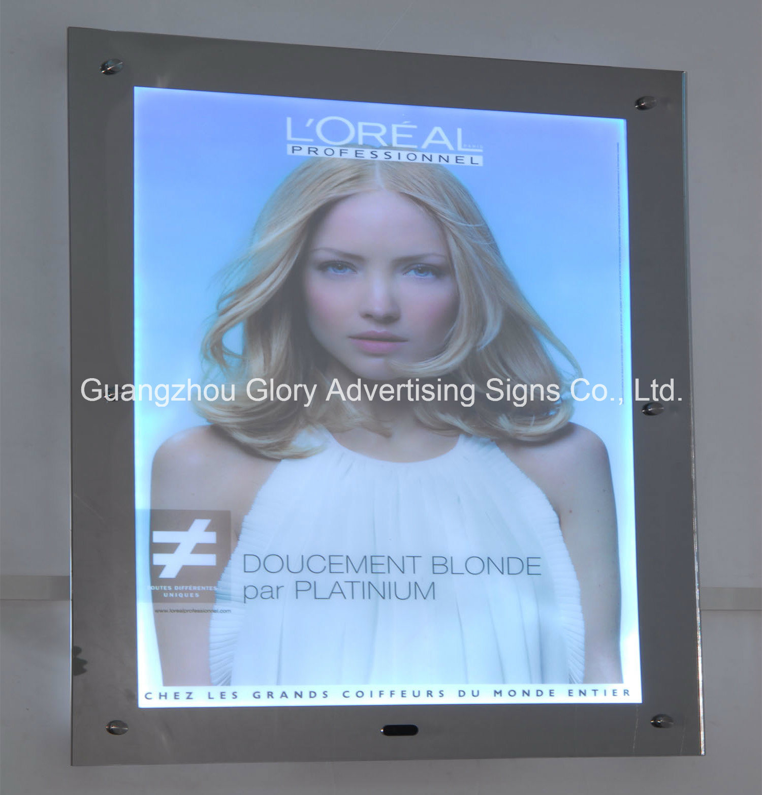 Frameless LED Backlit Magic Mirror Light Box pictures & photos