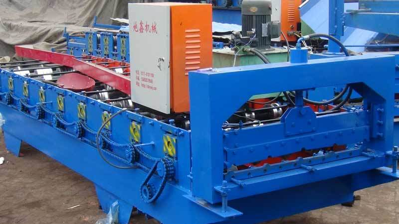 Dx Roof Panel Machine. Roofing Machine Trapezoidal Sheet Making Machine pictures & photos