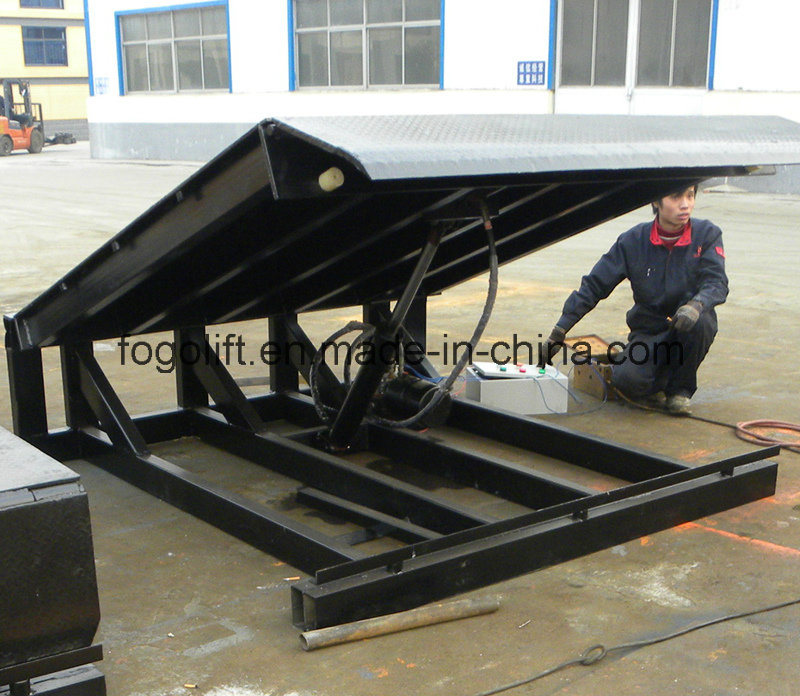 6t Electric Hydraulic Container Loading Ramp pictures & photos