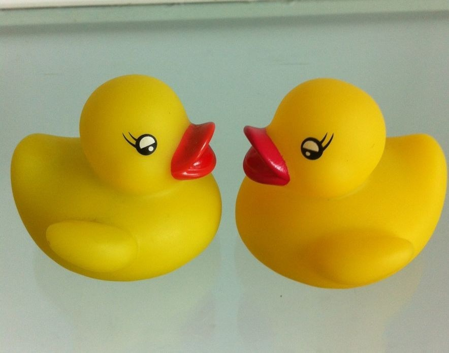 China Classic Big Yellow Rubber Duck Baby Bath Toys - China Rubber ...