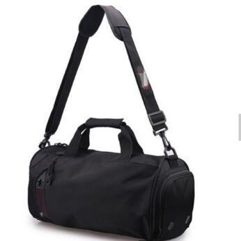 dac29de05b Men′s Large Gym Bag Shoulder Man Bag Men Handbag Sports Travel Work Man  Duffle Bag Messenger Bag for Male Bag