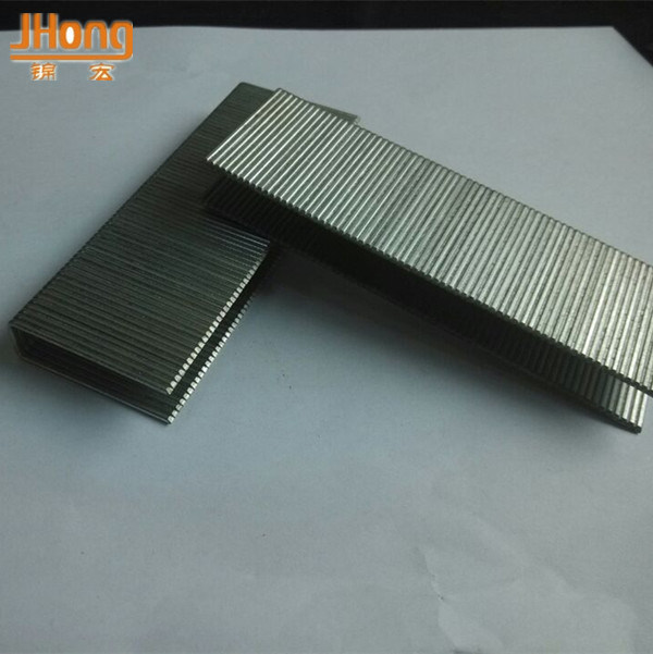 China Fine Wire Staples, Galvanized Common Wire Staples Industrial ...