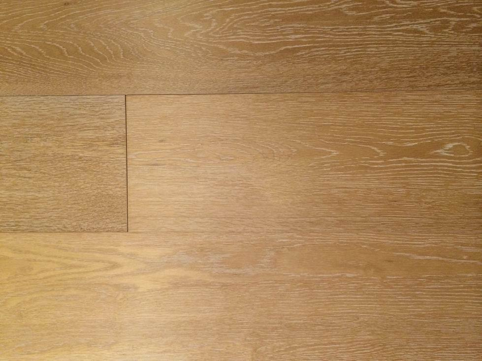 China White Grained Honey Oak Engineered Wide Plank Wood Flooring