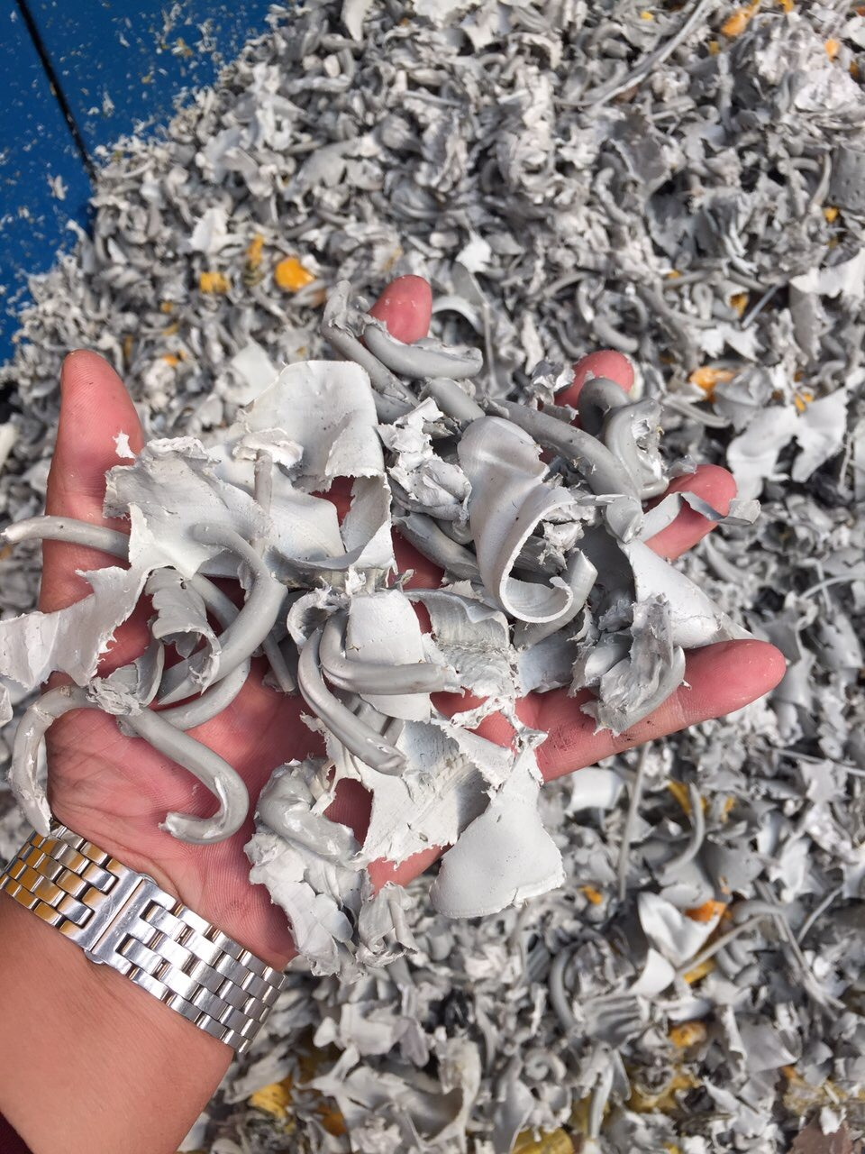 Powerful Shredder for HDPE Lumps