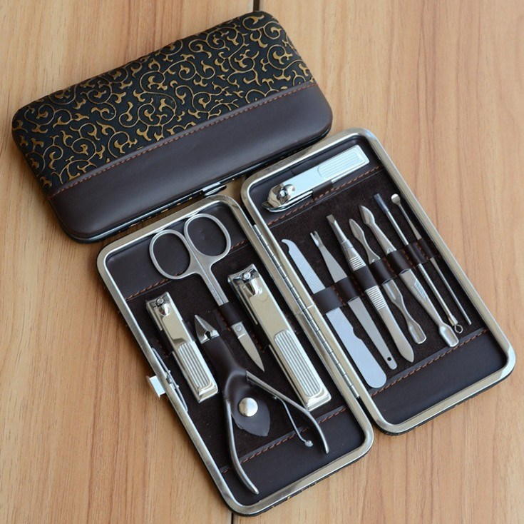 China 12 PCS Manicure Tool Kit Nail Art Tool Set for Travel - China ...