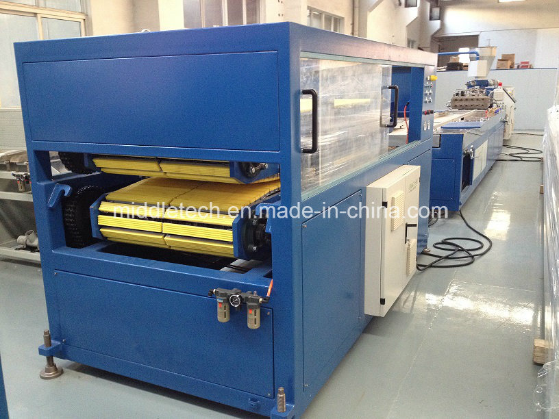PVC/WPC Plastic Windows and Door Profiles Extrusion/Production Line pictures & photos