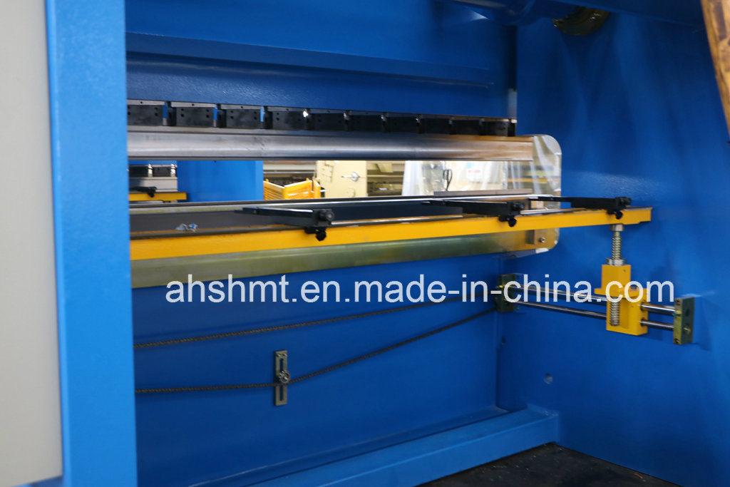 Hydraulic Press Brake/CNC Pressbrake/Hydraulic Plate Bending Machine/Sheet Metal Works