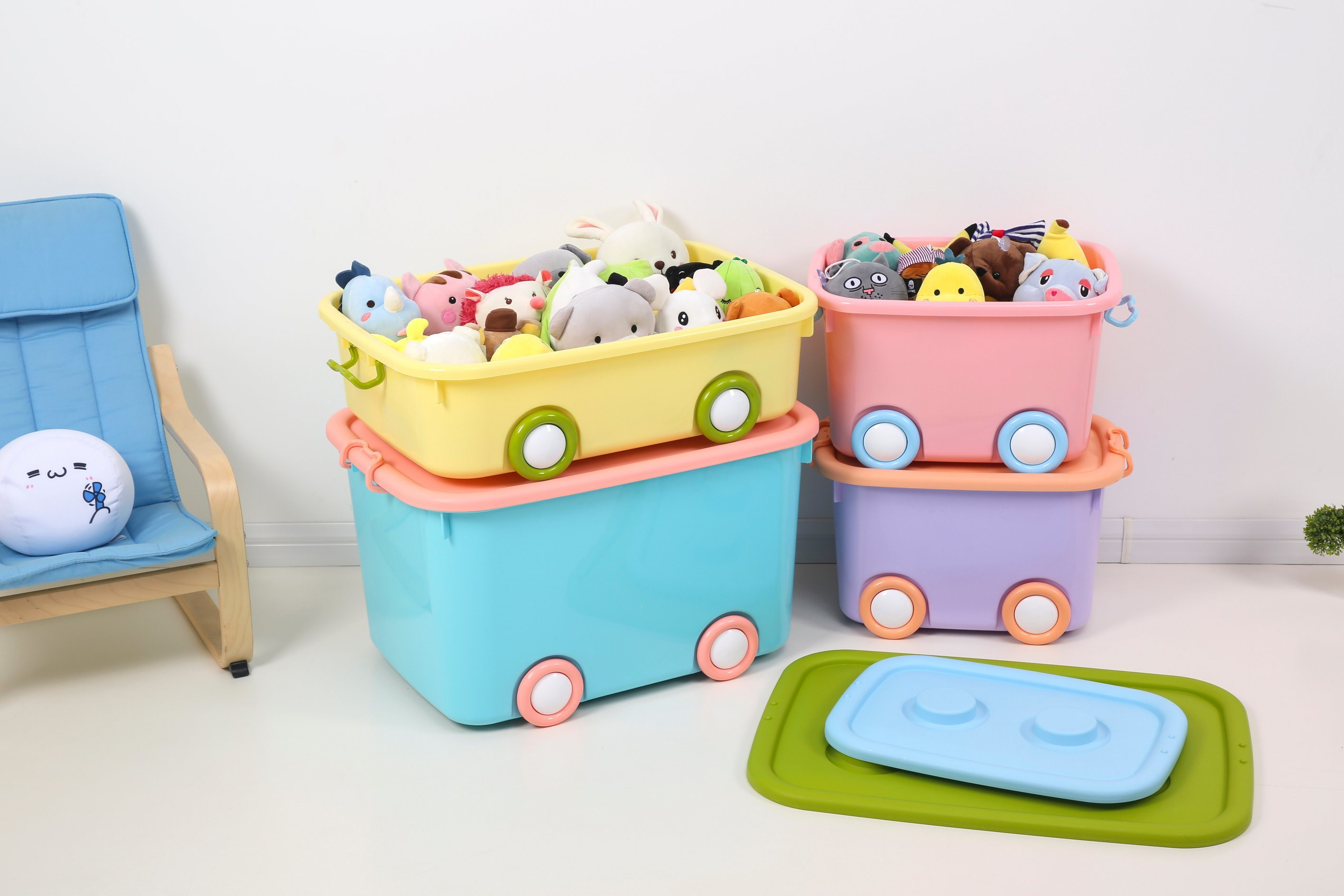 China Plastic Stackable Toy Storage Box