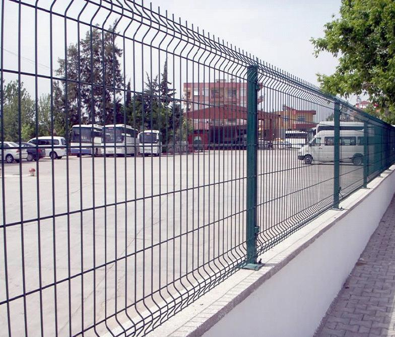 China Security Garden Wire Fence Panel/Curved Mesh Fence - China ...