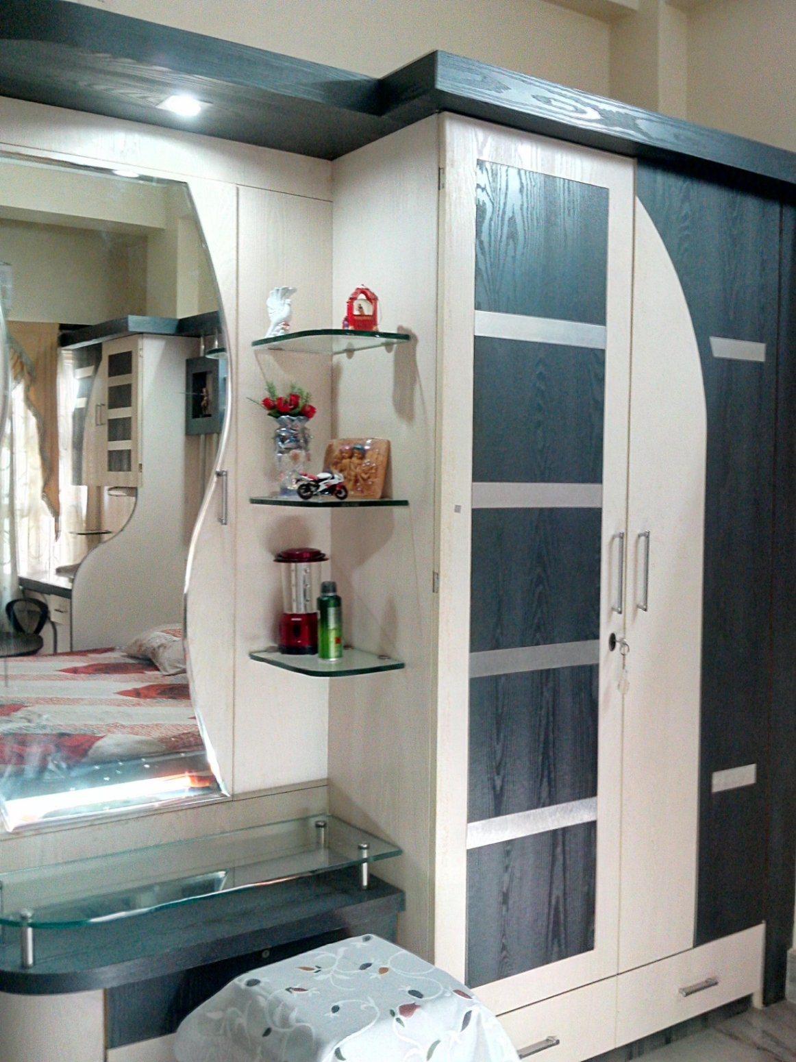 China Almari New Design Wall Unit Bedroom Furniture Wardrobe In