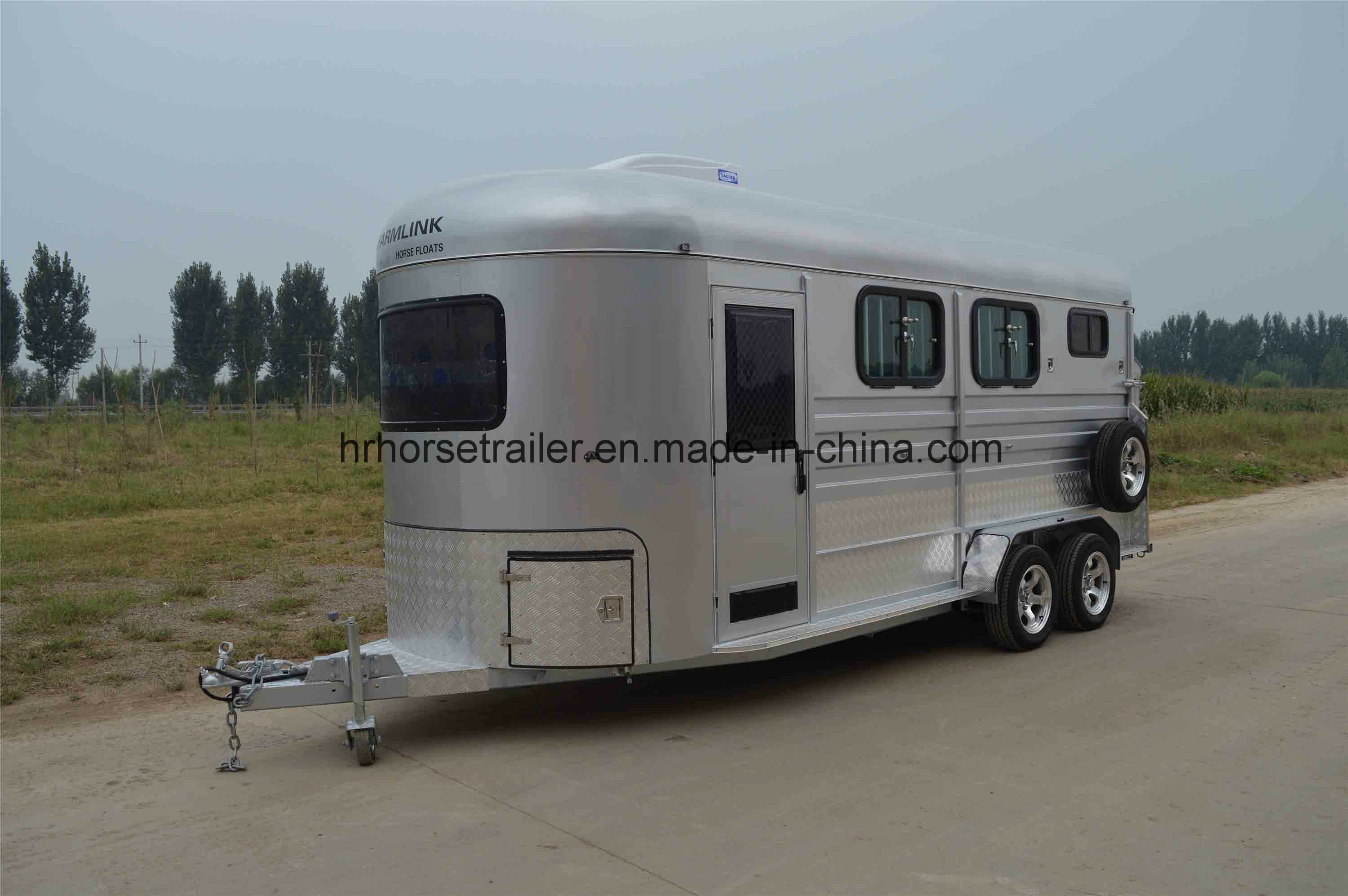 [Hot Item] Overnighter Angle Load Horse Trailer