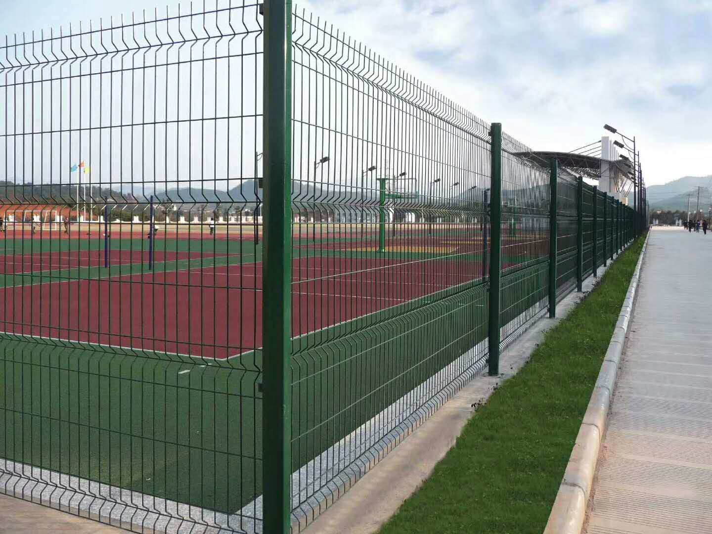 China 3D Curved Welded PVC Powder Coated Steel Wire Mesh Panels ...