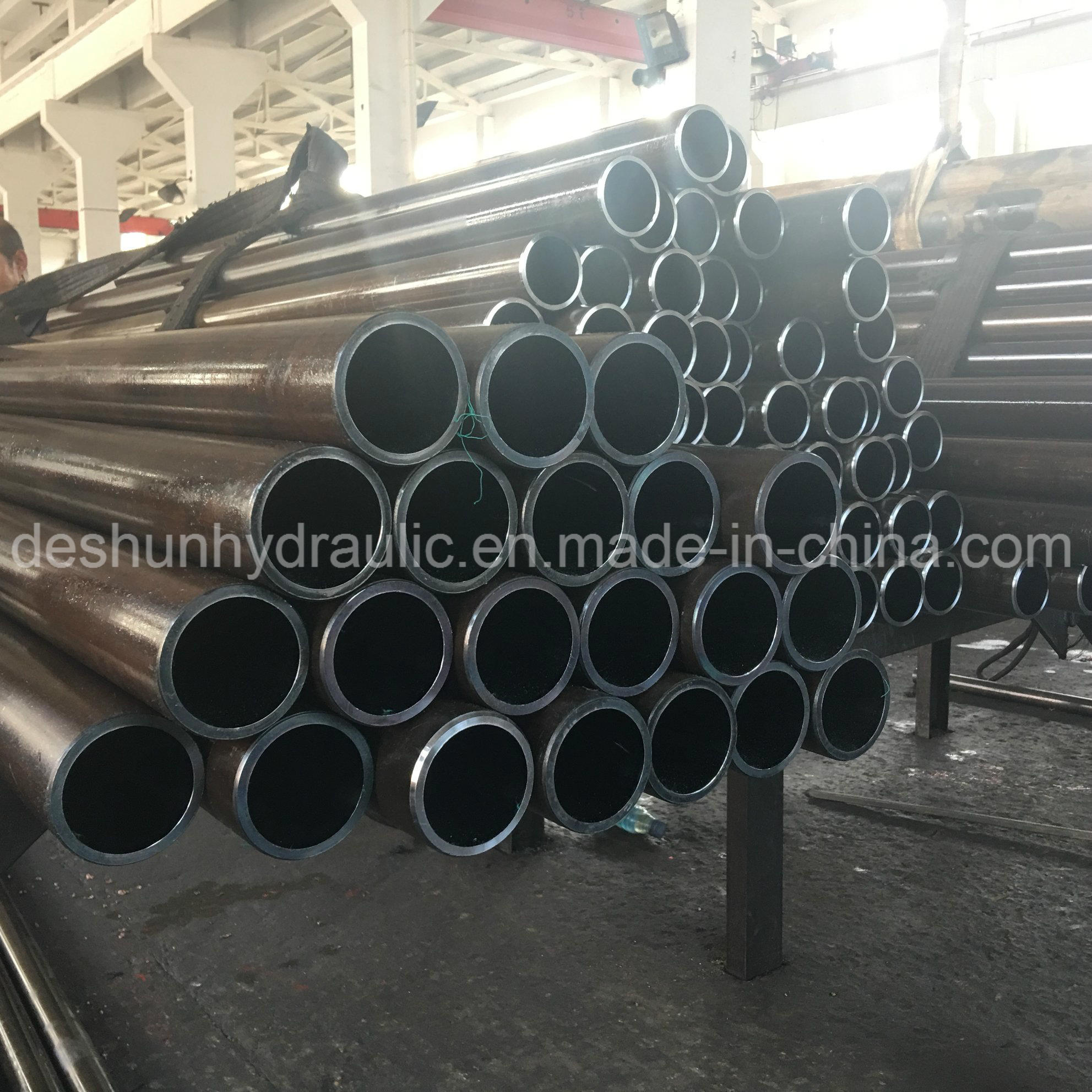 Industrial Parts Steady Production Carbon Steel Pipe & Tube pictures & photos