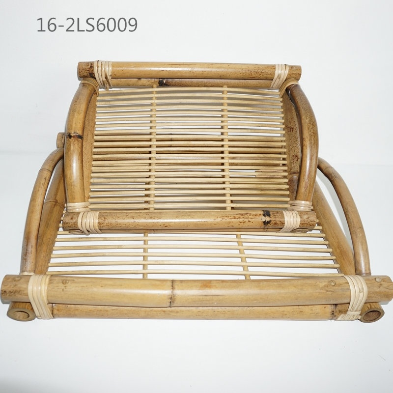 Bamboo and Ratton Make Varied Types of Trays