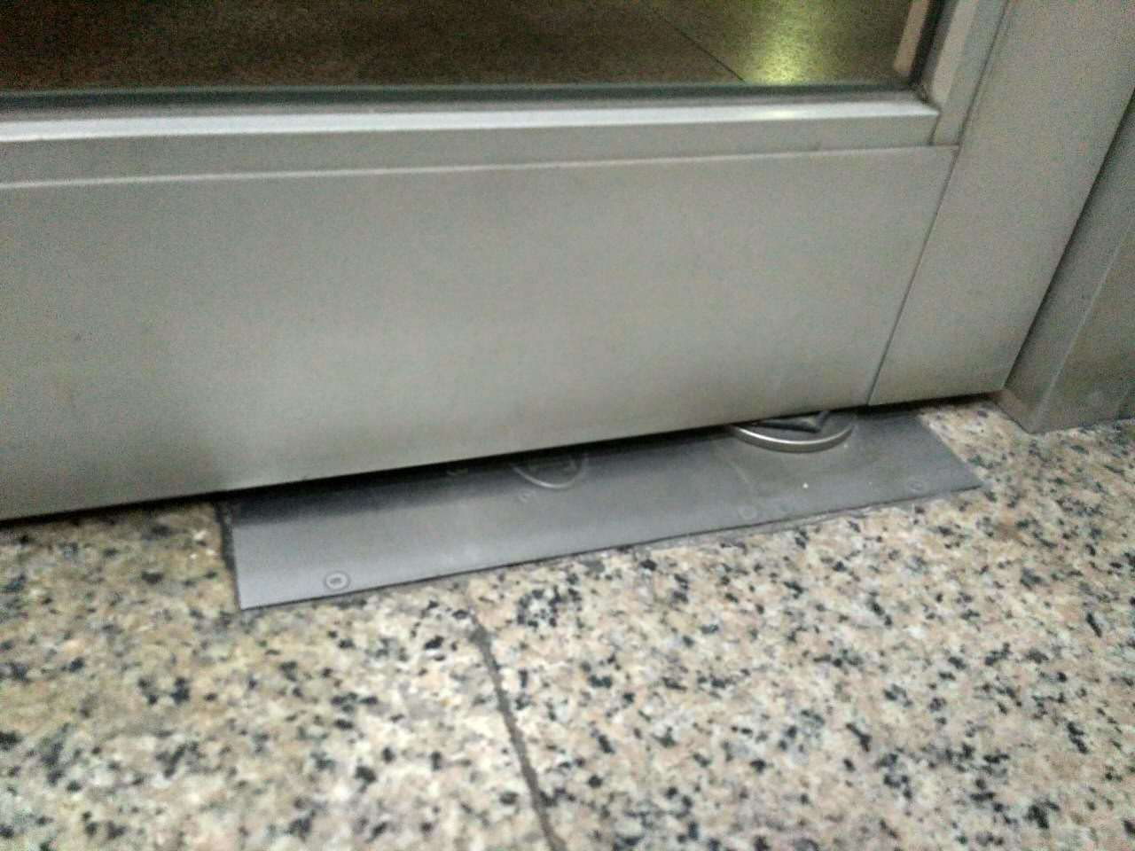 China Install The Glass Door Use Floor Spring Photos Pictures