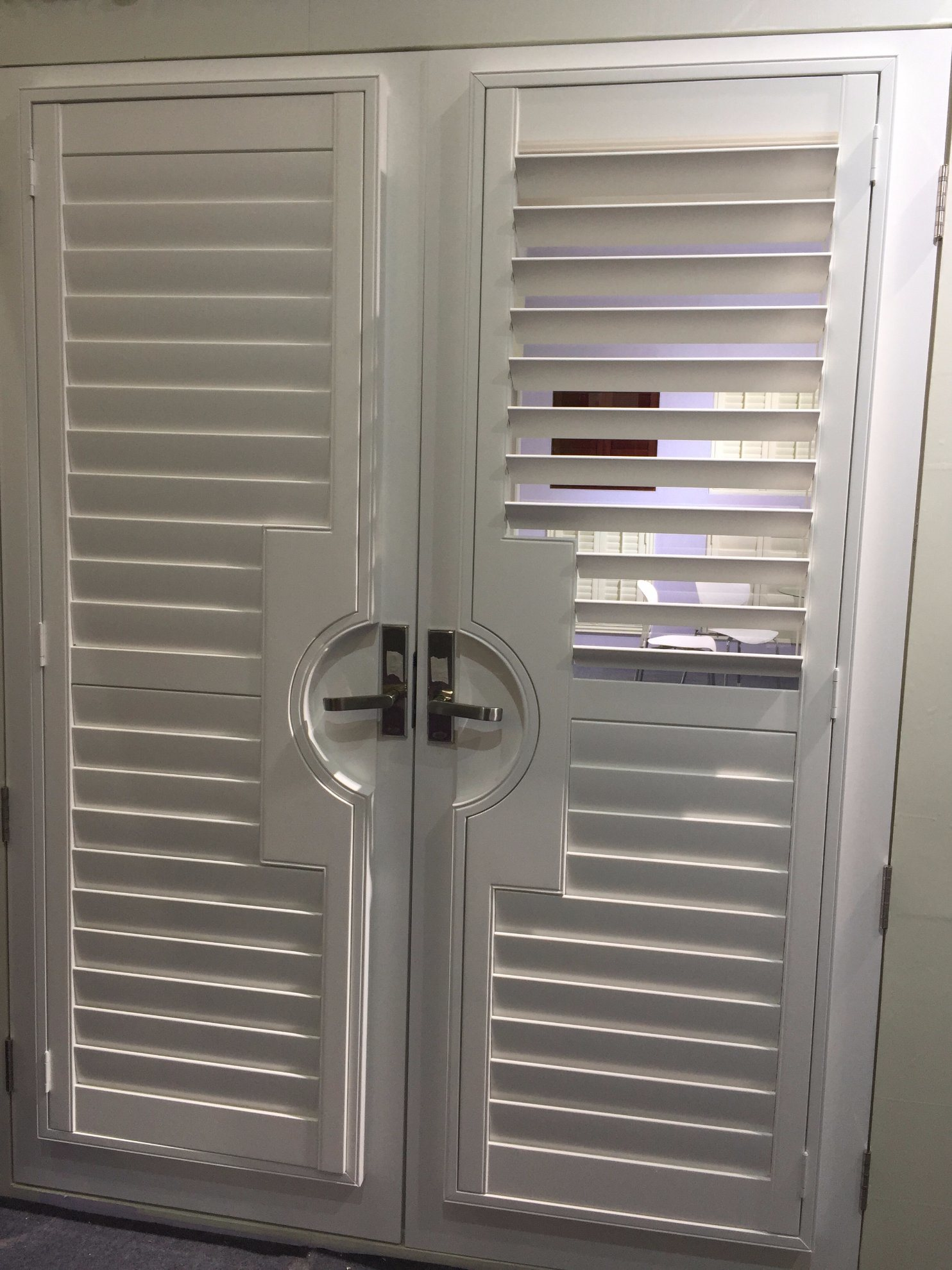 China Plastic French Door Design Adjustable Blinds Plantation Shutters China Basswood Shutters Window Shutters