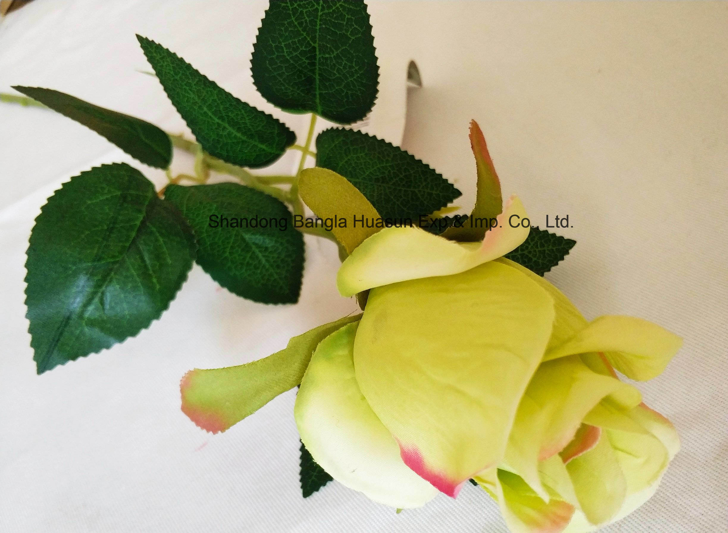 China Artificial Plastic Silk Flower Single Rose Bud For Wedding