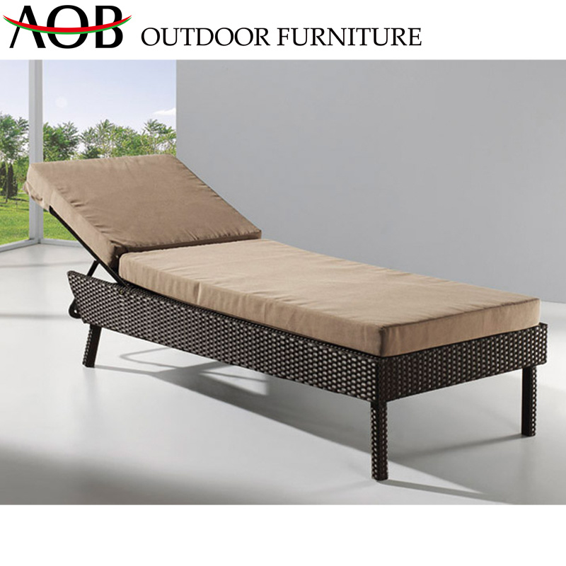 Modern Outdoor Hotel Home Poolside Leisure Rattan Wicker Furniture Adjustable Sun Lounger Beach Chair Daybed pictures & photos