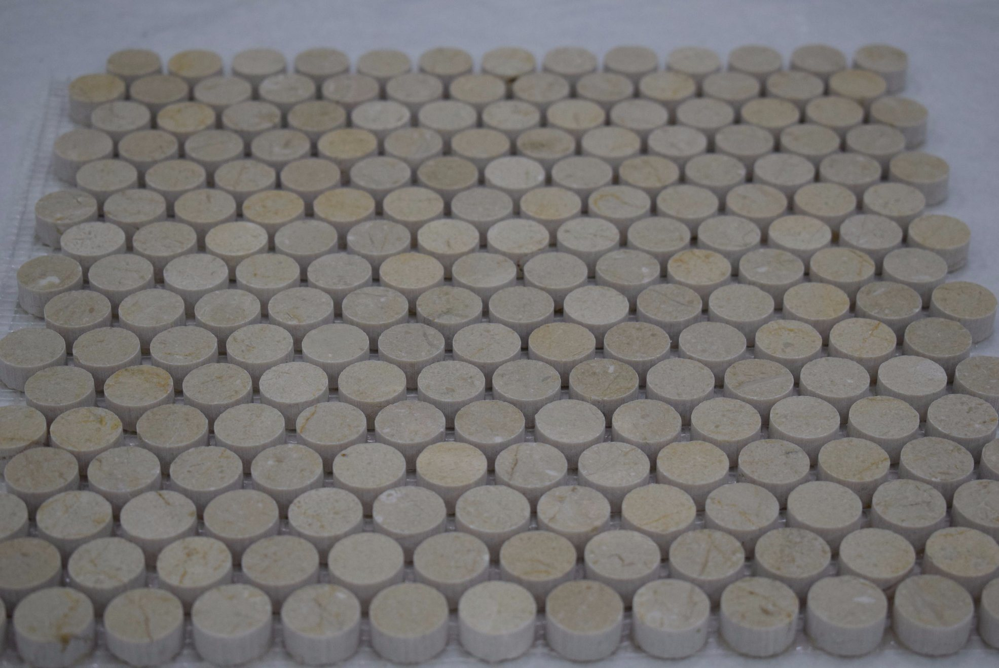 China Cheap Price Mosaic Tile Floor Patterns Spanish Beige Penny