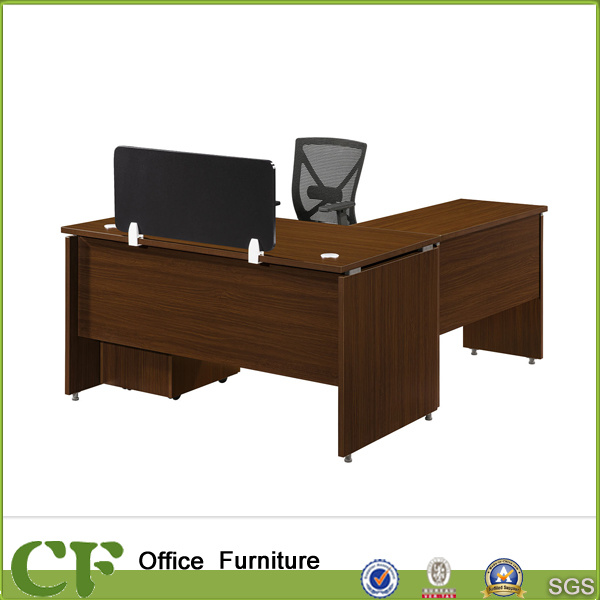 Charmant Single Office Desk With Wooden Screen