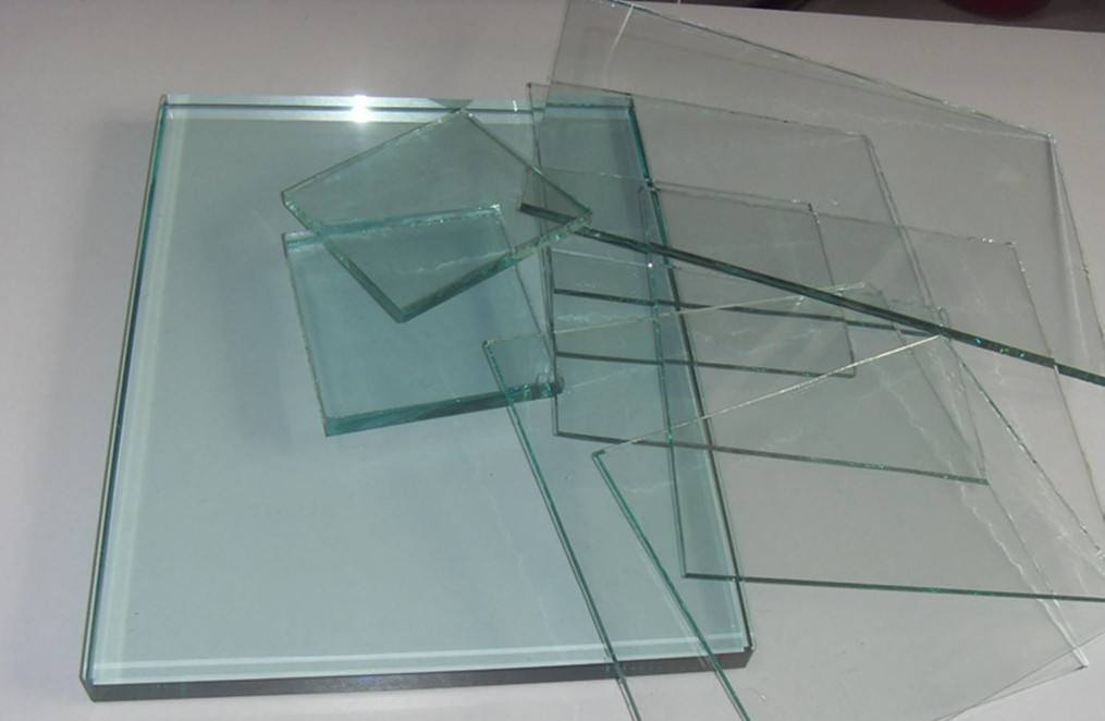 2mm 3.2mm 4mm Low Iron Ultra/Extra Clear Float Glass pictures & photos