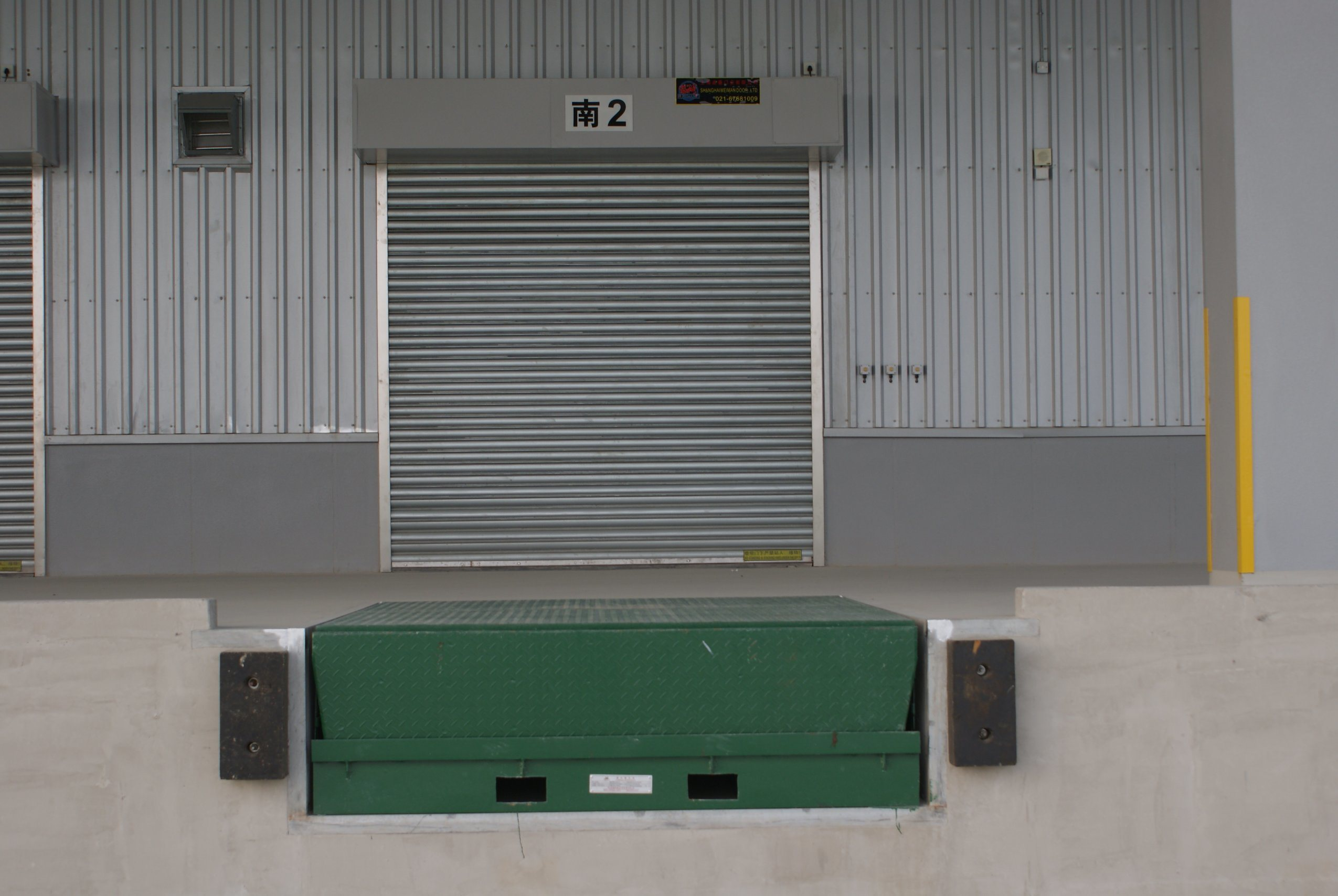 Hot Item Exterior Interior Security Hurricane Safety Stainless Steel Galvanized Steel Aluminum Alloy Roller Shutter Automatic Roll Up Industrial