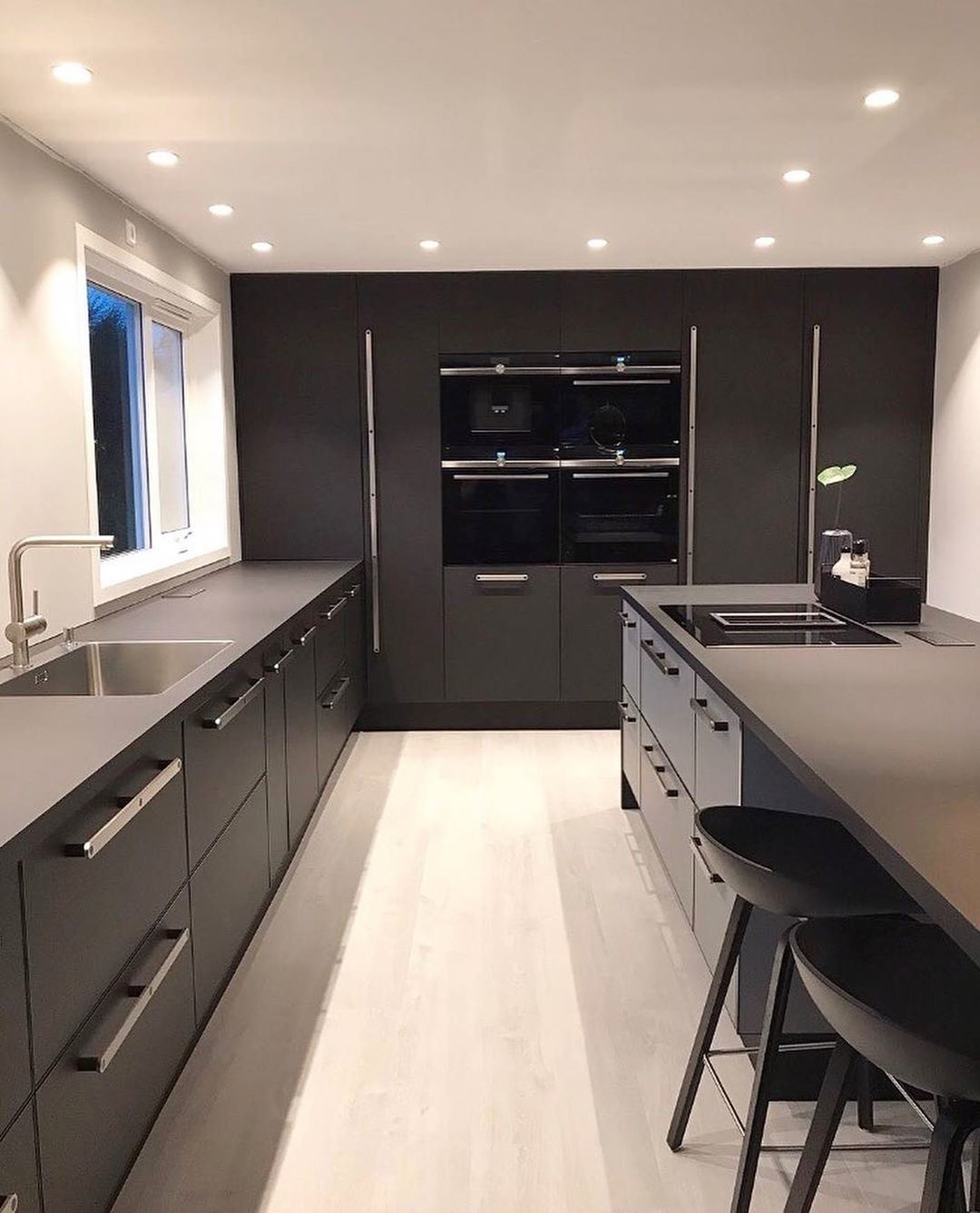 China New Trend Color Of Full Black Kitchen Cabinets China Kitchen Cabinets Kitchen Furniture
