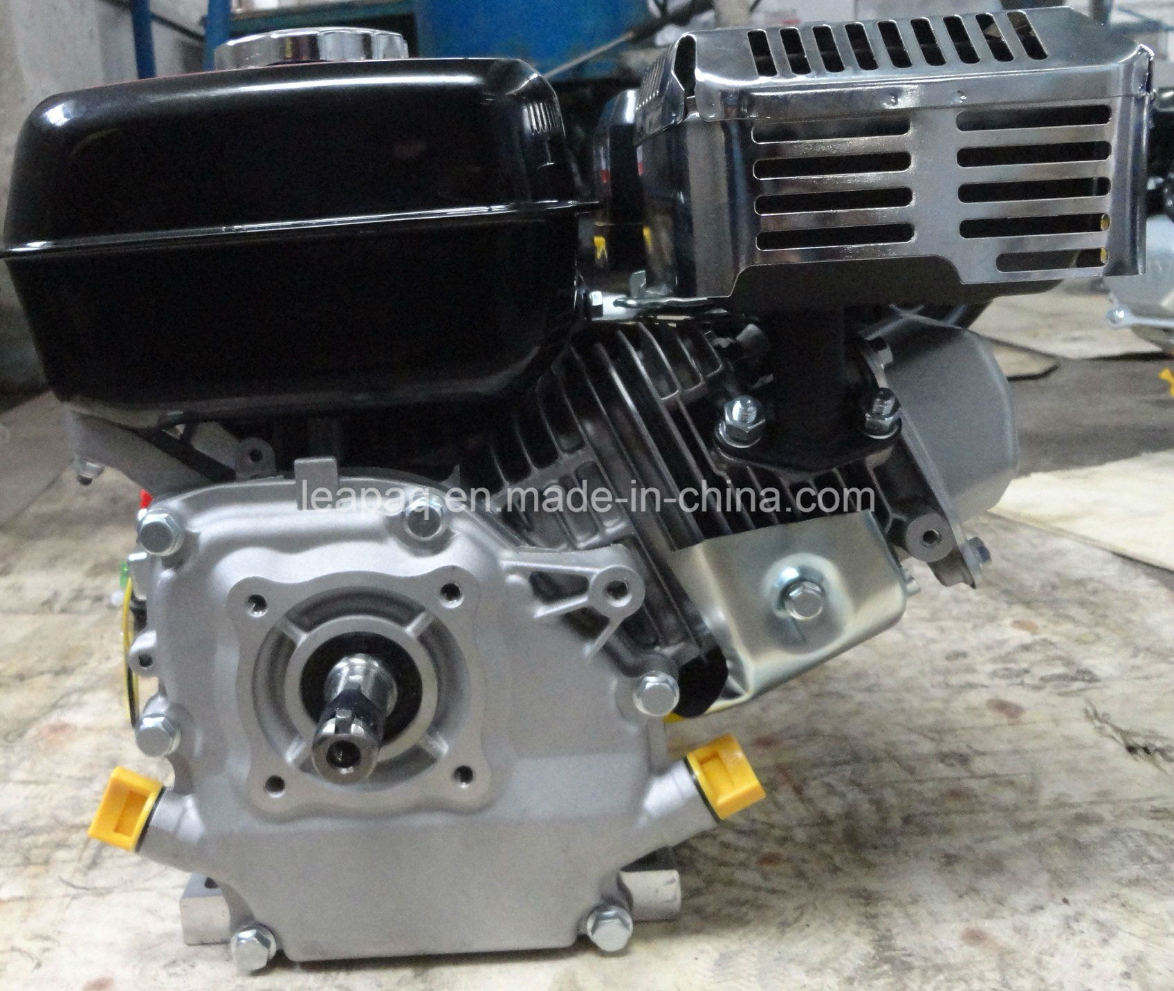 5.5HP 4-Stroke Single Cylinder Ohv Gasoline Engine pictures & photos