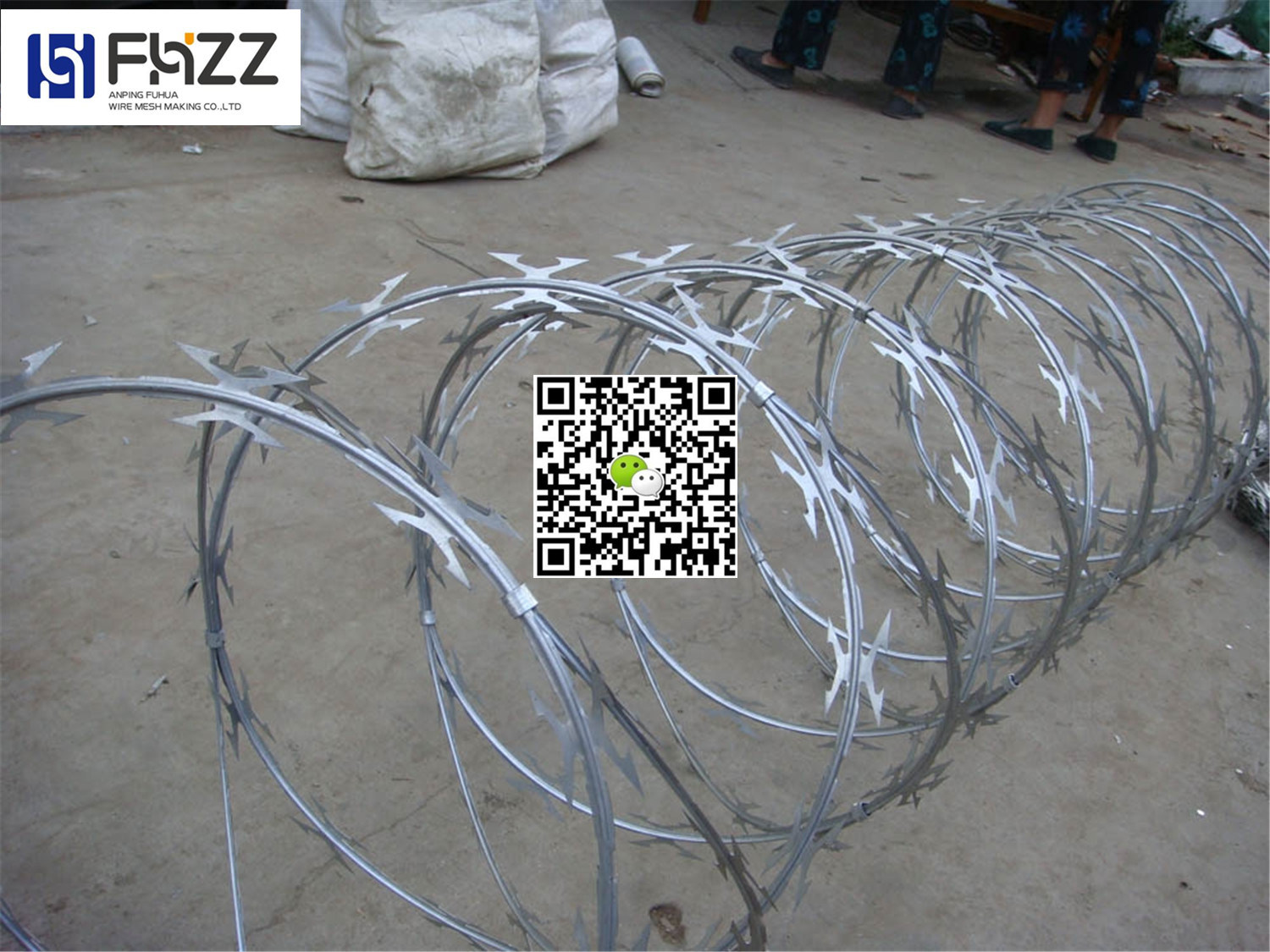 China Cross Type and Singel Coil Razor Wire Cbt 60 - China Razor ...