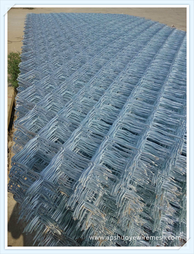 China Electrical Galvanized Welded Wire Mesh Chain Link Fence Net ...