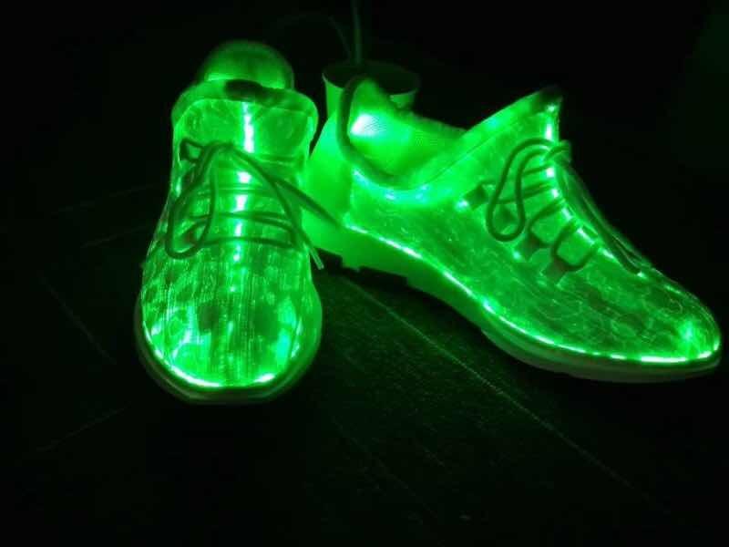 China Light up Shoes and Luminous Light