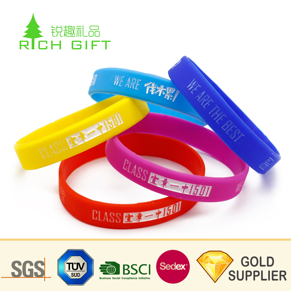 Free Sample Europe Custom Bulk Cheap Rock Rubber Bracelet 1 Inch Scented Philippine Luminous Crossfit Embossed Bible Verses Football Silicone Wristband No MOQ