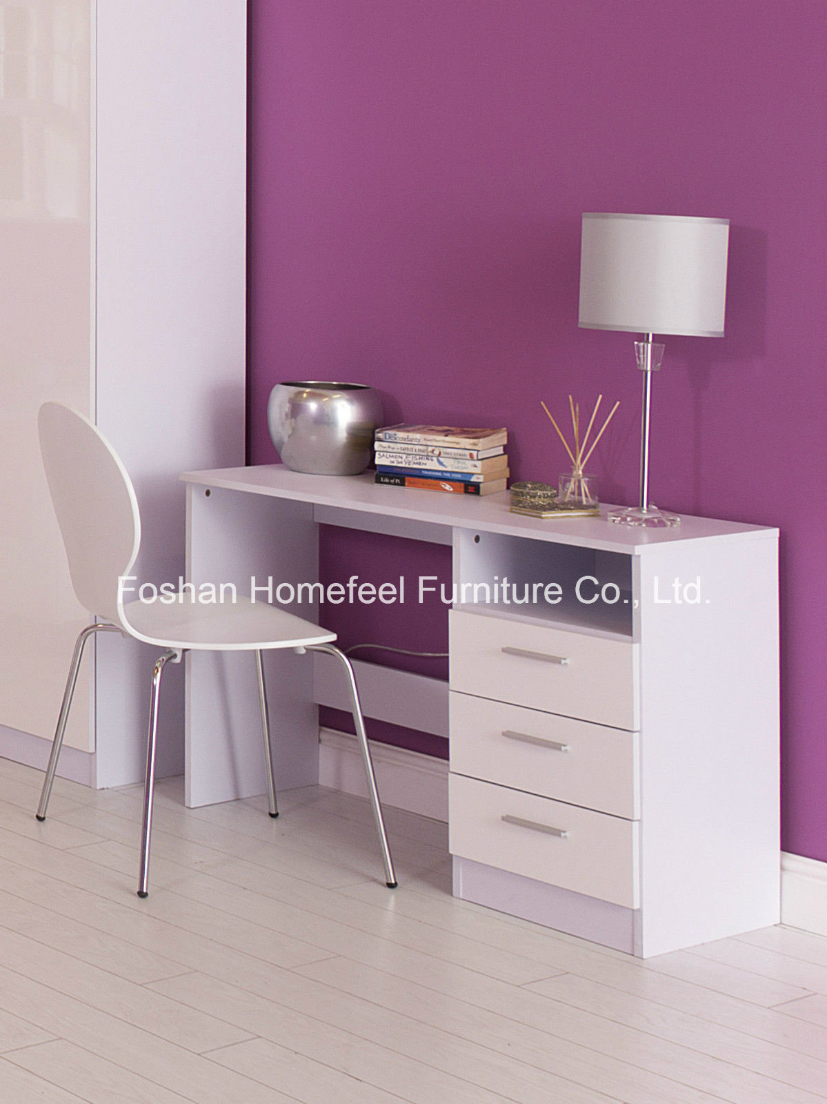 Image of: China Pure White High Gloss Study Desk With 3 Drawers China Study Desk Computer Desk
