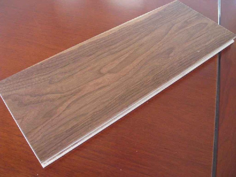 120mm Multi-Layer American Walnut Hardwood Flooring/Parquet Flooring pictures & photos